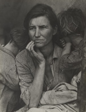 Dorothea-Lange.-Migrant-Mother-303x395